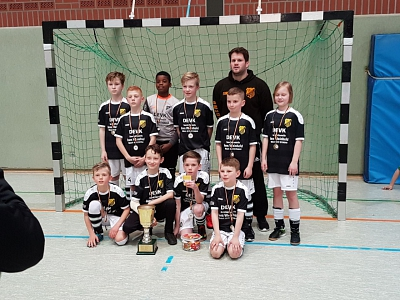 Fußball: E-Jugend erringt Kreismeistertitel in der Hallenrunde